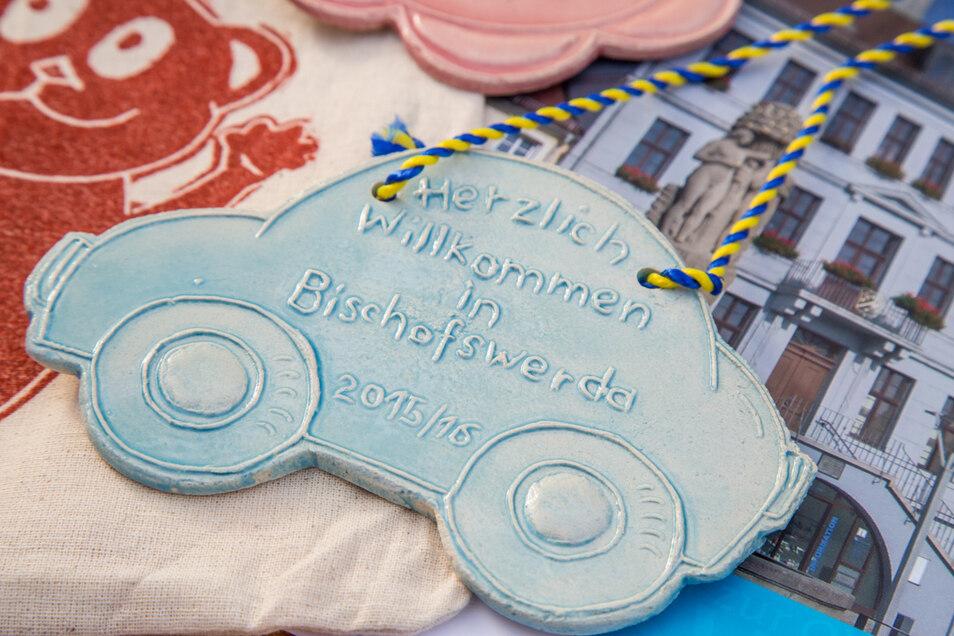 Vor drei Jahren war es ein himmelblaues Keramikauto aus der Kunstwerkstatt der Grundschule Süd, das für die Jungen angefertigt wurde. Auch in diesem Jahr soll es eine tolle Keramikplakette für jedes Kind geben.