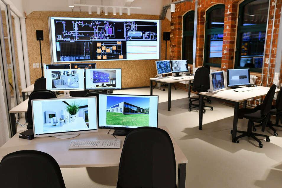 Der Simulationsleitstand im Forschungslabor der Hochschule Zittau in den Mandauhöfen.