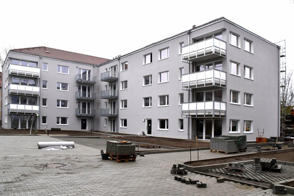 Die städtische WiD baut wie hier an der Ulmenstraße Sozialwohnungen in Dresden. Um die Quote für Private wird gestritten.