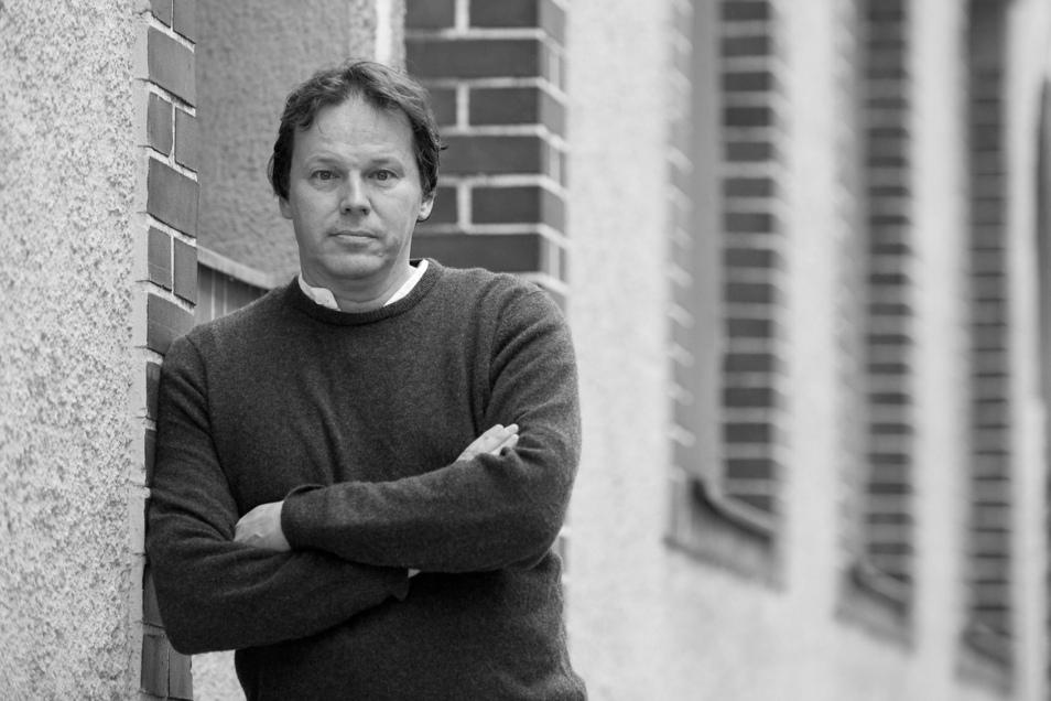 David Graeber, amerikanischer Kapitalismuskritiker und Autor, ist im Alter von 59 Jahren in einem Krankenhaus in Venedig gestorben.