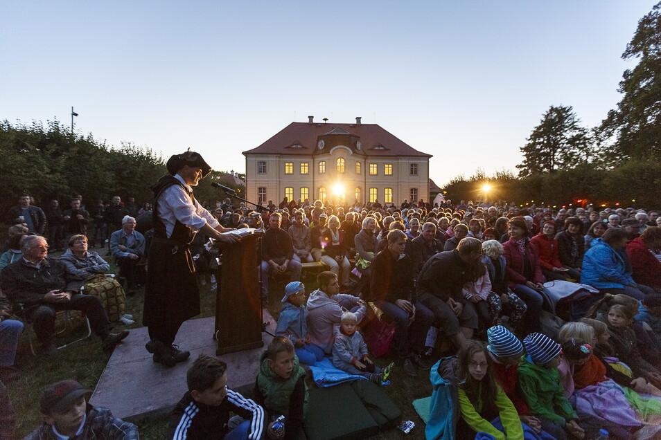 Stimmungsvoll ging es vor Corona am Barockschloss Königshain zu, beispielsweise bei den Sagenspielen.