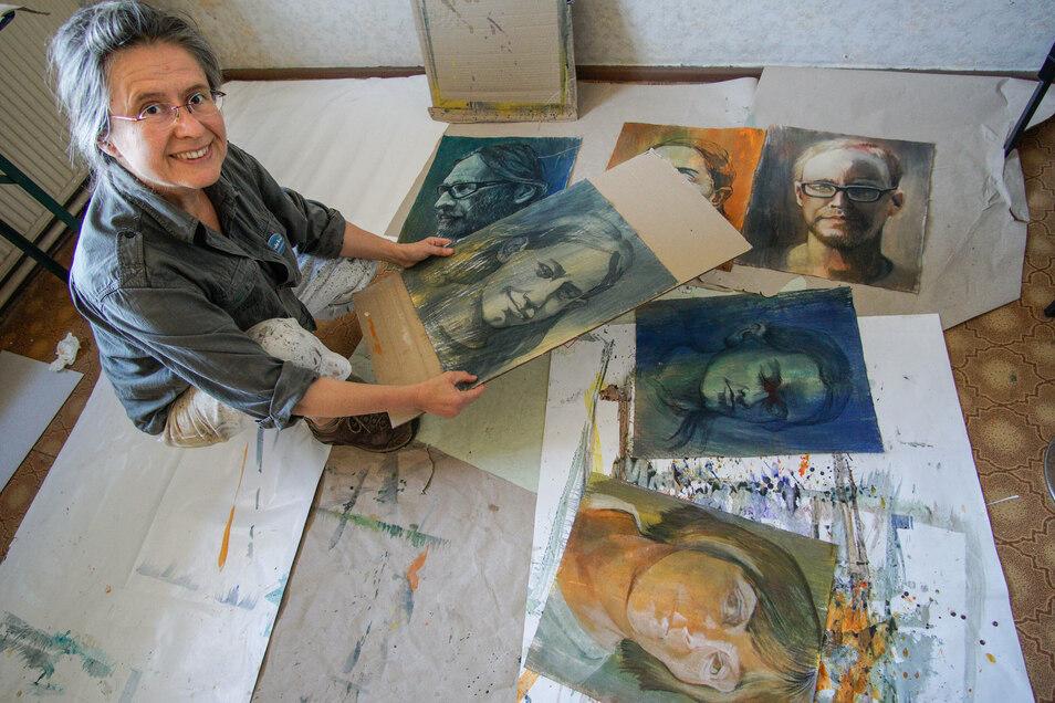 Katharina Probst porträtierte Menschen aus Bischofswerda und umliegenden Orten. Am Sonntag sind die Bilder im früheren Kino zu sehen.