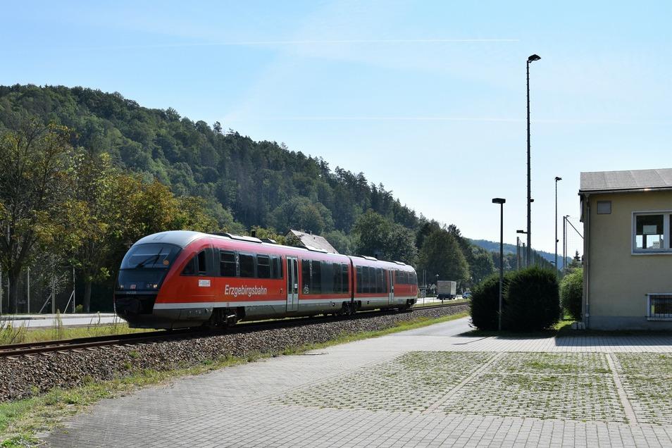 Am Dienstag rollte zum zweiten Mal ein Triebwagen der Erzgebirgsbahn durchs Müglitztal.