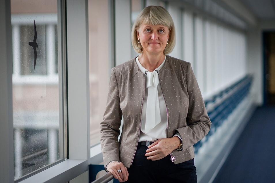 Kathrin Groschwald leitet die Arbeitsagentur Bautzen, die im Juni weniger Arbeitslose vermeldet als im Vormonat.