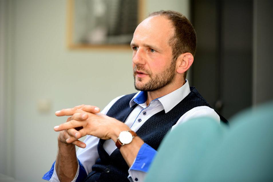 Stephan Meyer beim Gespräch in der Zittauer SZ-Redaktion.