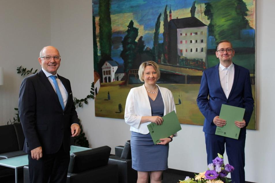 Die Amtsanwältin tritt Anfang August ihren Dienst bei der Staatsanwaltschaft Görlitz an. Ihren Namen verriet die Generalstaatsanwaltschaft nicht.