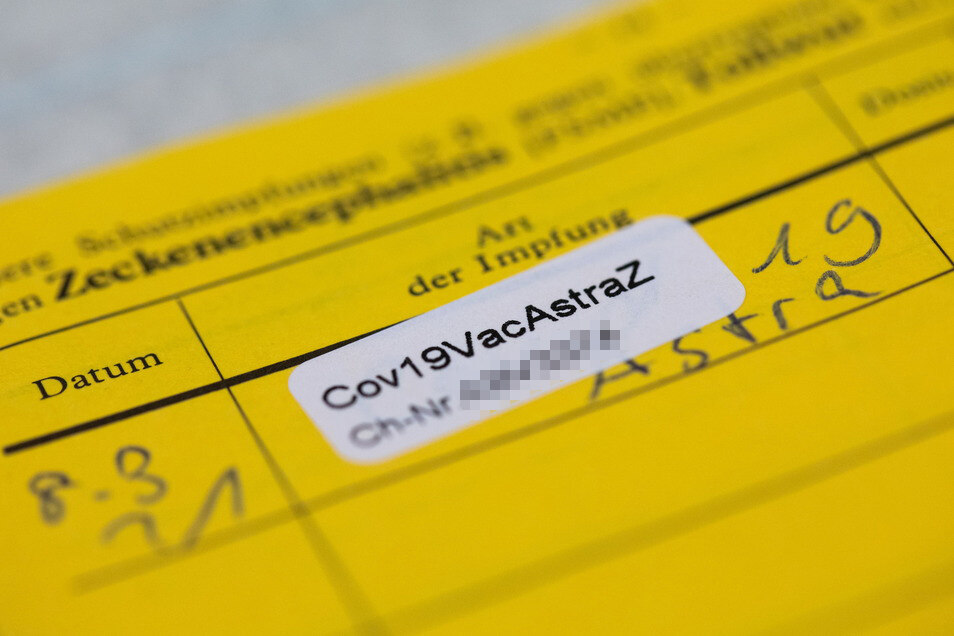 Ab 2022 soll sich in Deutschland der Impfausweis in digitaler Form etablieren - das ist fälschungssicherer.