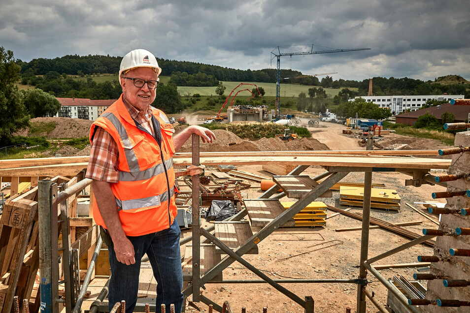 Bauoberleiter Ulrich Gawlas im Juni 2018: Damals waren die Brücken im Seidewitztal gerade im Bau.