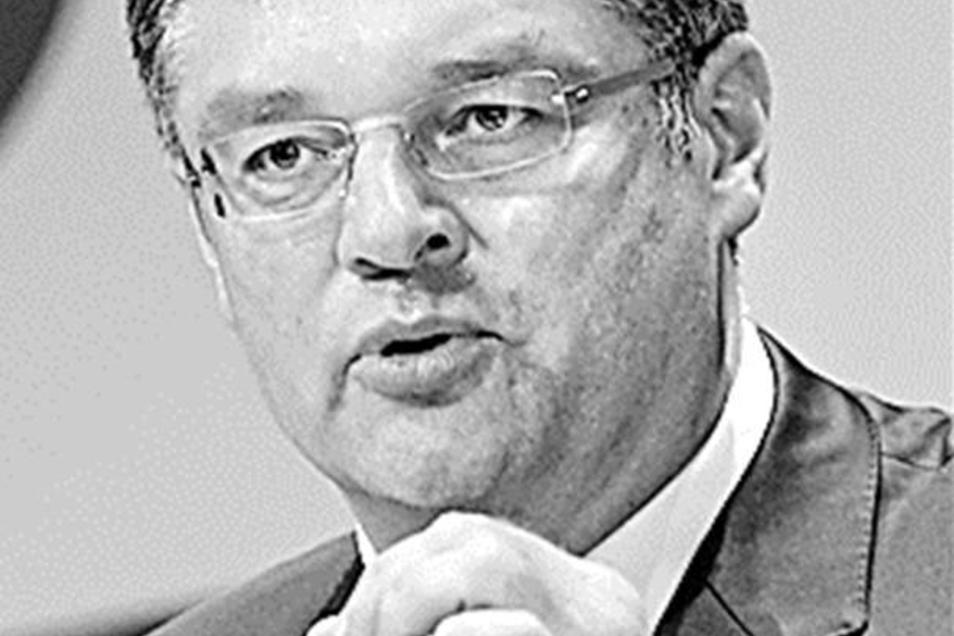Für FDP-Fraktionschef Holger Zastrow ist und bleibt das Auto auch in Zukunft das wichtigste Fortbewegungsmittel.