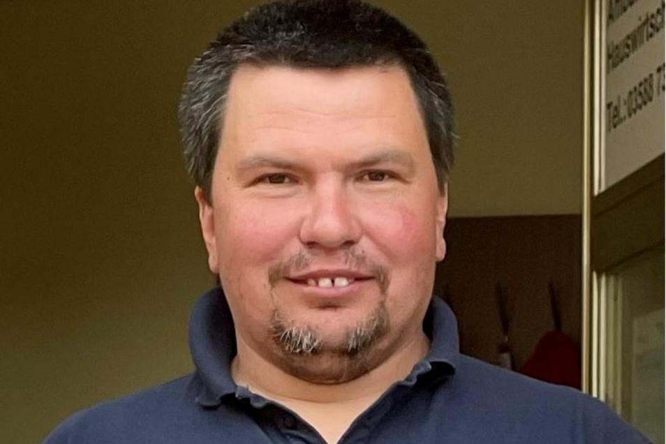 Enrico Splitek leitet die Aufsicht der DRK-Wasserwacht am Nord- und Nordoststrand des Berzdorfer Sees.