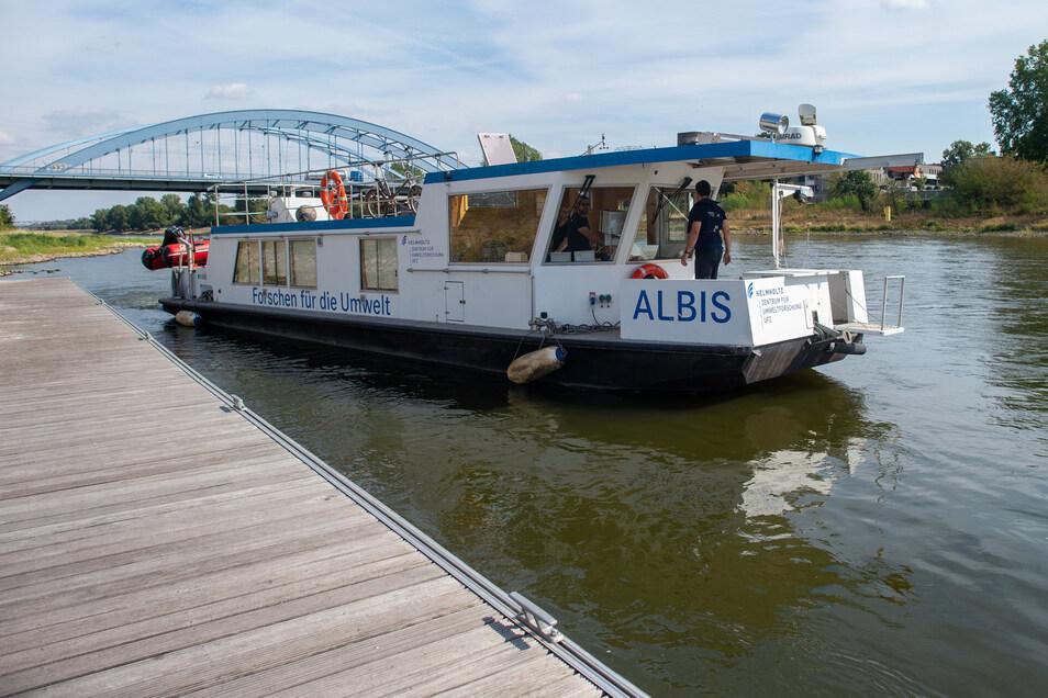 """Das Forschungsschiff """"Albis"""" ist am 29. August 2019 in Schmilka gestartet und bis Geesthacht die Elbe entlang gefahren."""