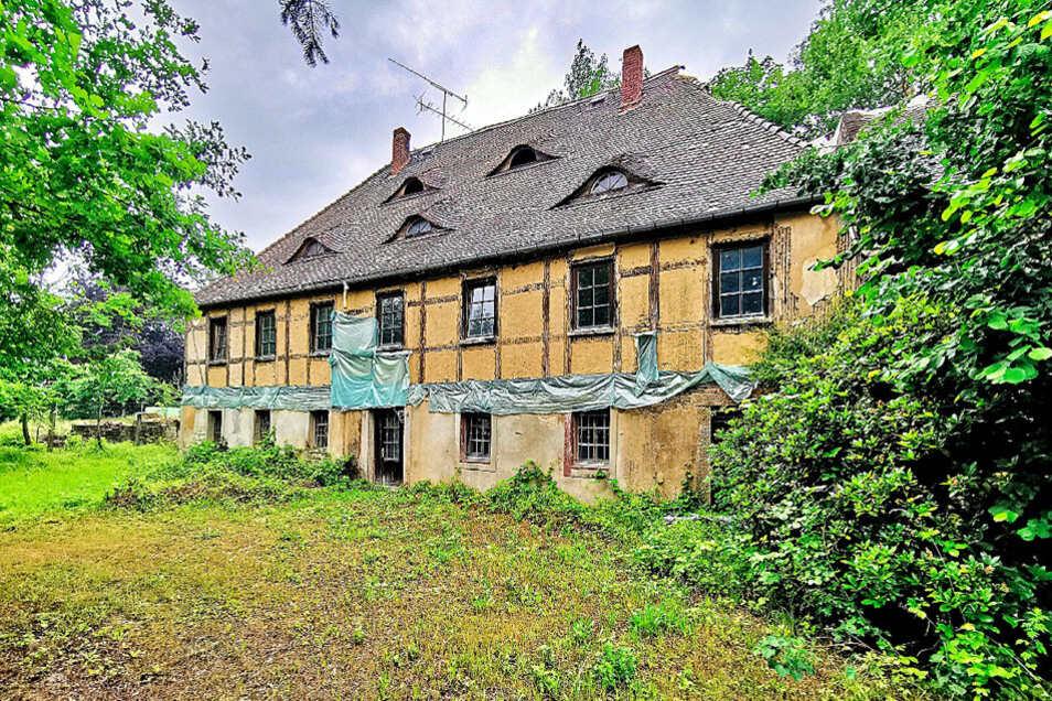 Denkmalg. ehem. Herrenhaus mit Wirtschafts- u. Stallgebäude in Kamenz OT Biehla / Mindestgebot 9.000 Euro