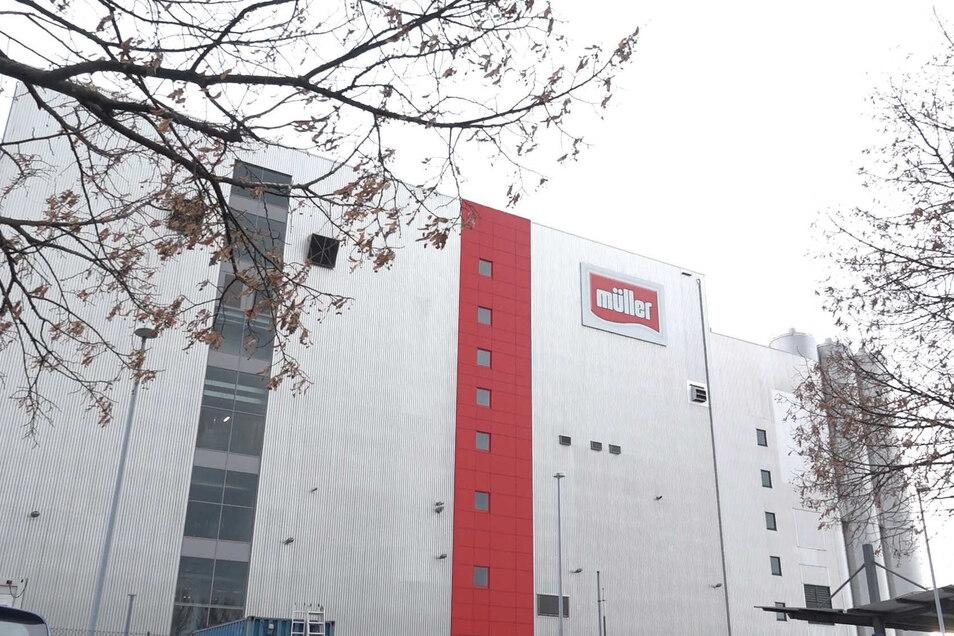 Am Freitag vor zwei Wochen gab es einen größeren Rettungseinsatz bei der Sachsenmilch Leppersdorf GmbH.