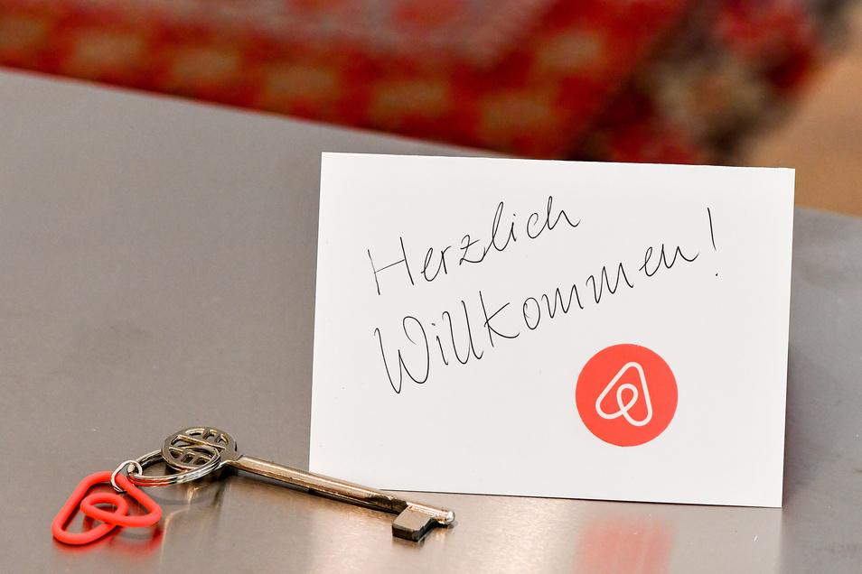 Den Apartment-Vermittler Airbnb hat die Corona-Krise stark getroffen.