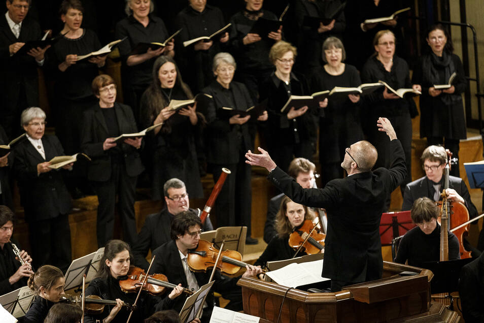 Voriges Jahr führte Reinhard Seeliger mit dem Bachchor vor Ostern die Johannes-Passion von Johann Sebastian Bach in der Görlitzer Kreuzkirche auf. In diesem Jahr gab es kein Konzert in der Passionszeit.