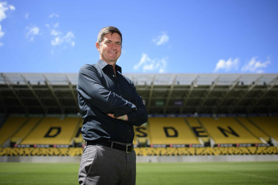 Das ist er: Ralf Becker, Dynamos neuer Sportchef. An seinem ersten Arbeitstag stellt er sich und seine Ziele vor. Und fordert eine Debatte über Dynamos vermeintliche Ungleichbehandlung von der DFL.