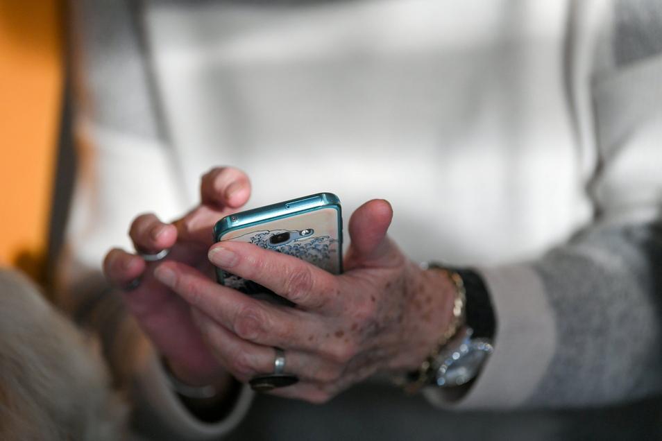 Kontakte sollen in Mittelsachsen in Einrichtungen künftig über eine App erfasst werden.