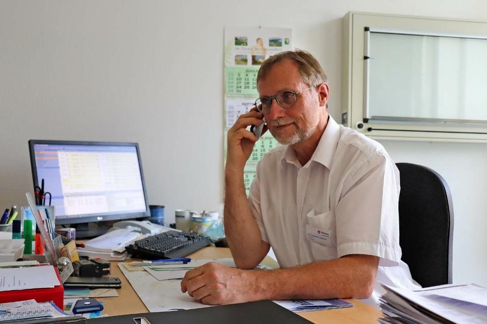 Chefarzt Dr. Andreas Lammert (Foto) und Oberarzt Dr. Thomas Zimmer vom Malteser Krankenhaus St. Carolus beantworteten beim Telefonforum die zahlreichen Fragen der SZ-Leser.