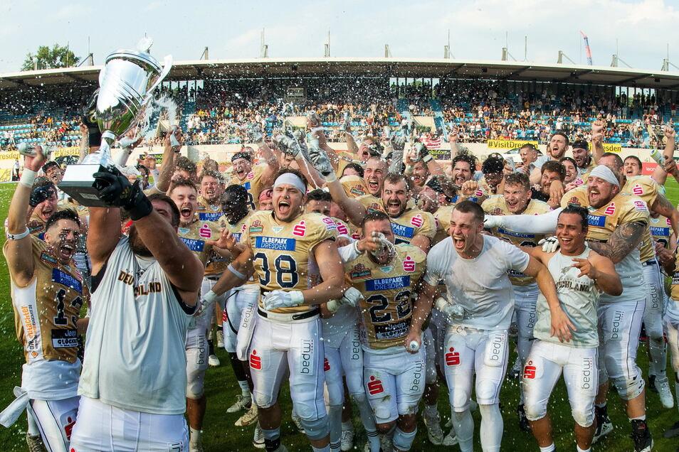 Den Pott für die Nordmeisterschaft haben die Dresdner erstmals geholt.