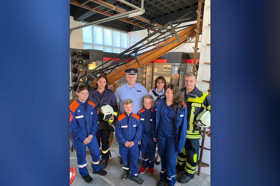 Von den Schürfern des Bornaer Goldes für die Feuerwehr: ein Museum. Die, denen es gewidmet ist, durften es als Erste besuchen.