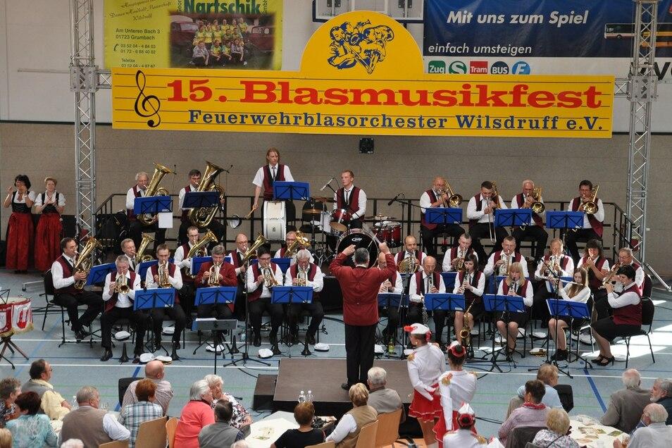 Ihr Blasmusikfest mussten die Wilsdruffer Blasmusikanten absagen, ein Konzert am 3. Oktober geben sie aber trotzdem.