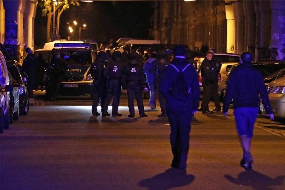 Am Montagabend kam es im Hechtviertel zu einer Protestdemonstration gegen die vorangegangene Abschiebung einer Familie.