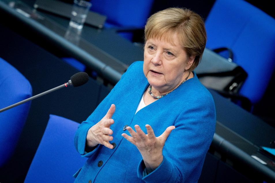 Hätte Bundeskanzlerin Angela Merkel viel früher aktiv werden müssen?
