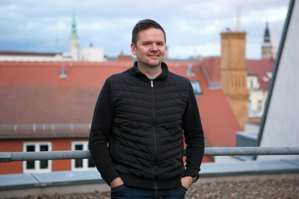 Sebastian Kubasch war bis November 2019 Sachgebietsleiter Familie & Soziales bei der Stadt Görlitz. Heute arbeitet er im Fachdienst Prävention bei der Polizeidirektion Görlitz.