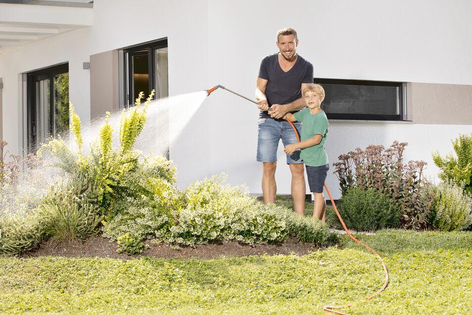 Wer Wert auf einen grünen und schönen Garten legt, kann aus einer Vielzahl von Bewässerungssystemen wählen.