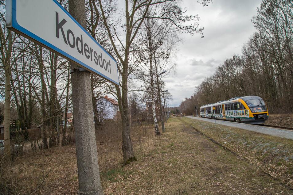 Wird der Haltepunkt Kodersdorf Bahnhof bald zum P+R-Standort mit E-Bikes zum Weiterfahren in den Ort? Die Untersuchungen dazu laufen.