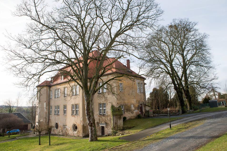 Schloss Struppen wird schrittweise saniert.