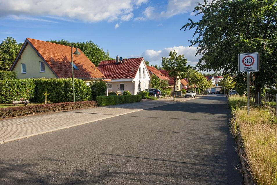 An der Wilsdruffer Straße An der Baumschule wurden die Geschwindigkeiten der Autos gemessen.