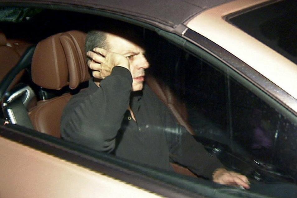 Thomas Drach verlässt 2013 nach 15-jähriger Haft das Gefängnis Hamburg-Fuhlsbüttel im Auto seines Anwalts.