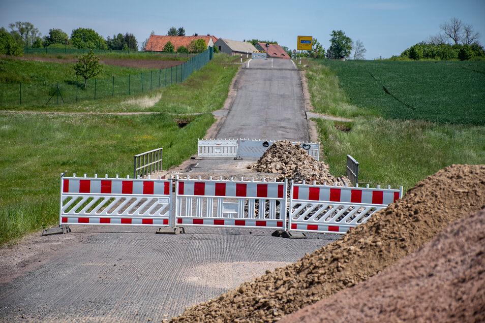 Zwischen der B 169 und Reichenbach ist die S36 wegen dem Bau der Brückendichtung noch voll gesperrt. Ansonsten rollt der Verkehr wieder zwischen Etzdorf und Massanei jeweils bis zur Baustelle.