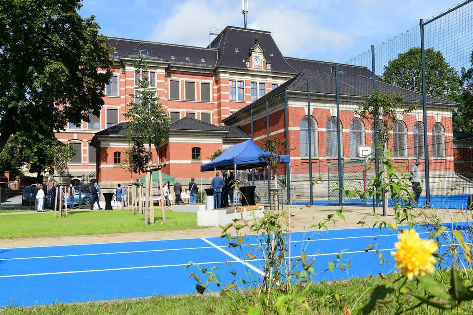 Blick auf den neuen Hof der Parkschule Zittau.