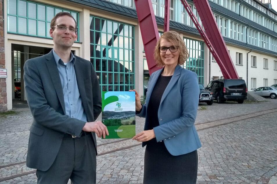 Eva Wagner von der Agentur Sportwerk und Wirtschaftsförderer Christian Semmelrogge stellten in zwei Stadträten die Grundzüge der geplanten Standortmarketingaktion vor.