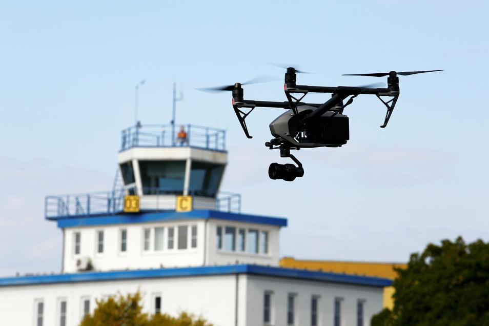 Für ein Drohnen-Testzentrum soll bereits im kommenden Jahr ein neuer Hangar auf dem Kamenzer Flugplatz gebaut werden.