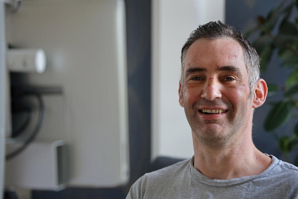 Robert Schomburg aus Riesa ist an ALS erkrankt. Mit einem Musik-Livestream wollen vier DJs aus der Region nun Geld für ihn und seine Familie sammeln.