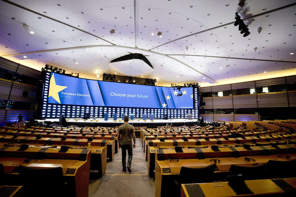Noch sind die Plätze nicht besetzt: Am 2. Juli kommt das neue Europaparlament erstmals zusammen und wählt seinen Präsidenten.
