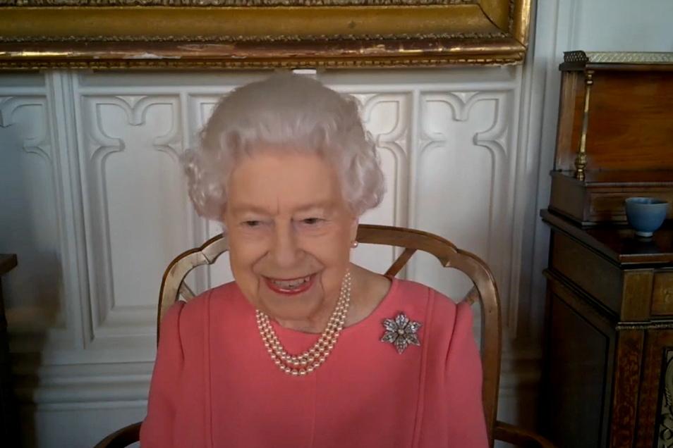 Königin Elizabeth II. bei der Videokonferenz mit britischen Gesundheitsbeamten