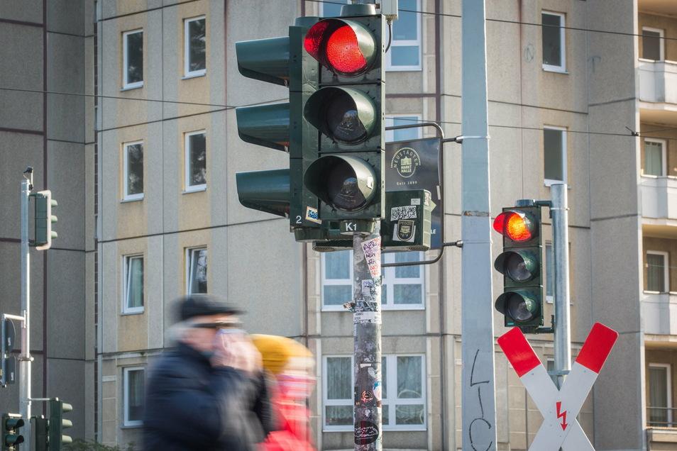 Eine rote Ampel am Albertplatz wurde einem jungen Radfahrer in Dresden zum Verhängnis - genau wie sein Alkoholkonsum zuvor.