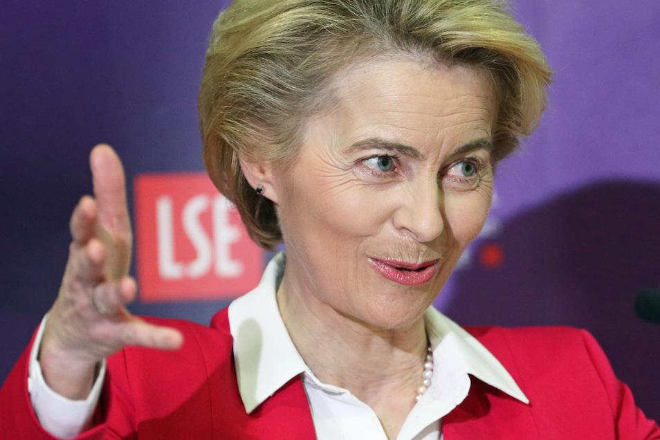 In der Affäre um das Diensthandy von Ursula von der Leyen sind neue Ungereimtheiten aufgetaucht.