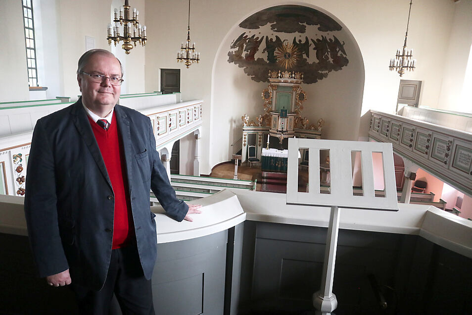 Die Evangelische Kirchengemeinde Laubusch durchlebt schwierige Zeiten. Pfarrer Gerd Simmank, seit 1986 vor Ort Gemeindepfarrer, sieht dennoch Zeichen neuer Hoffnung.