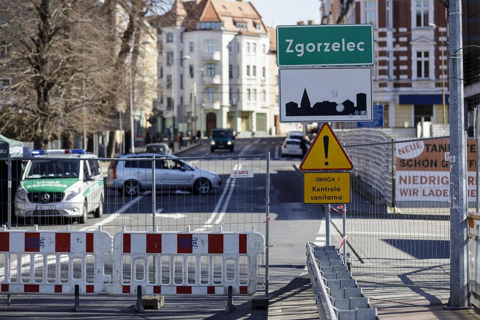 Blick auf den geschlossenen Ortseingang von Zgorzelec