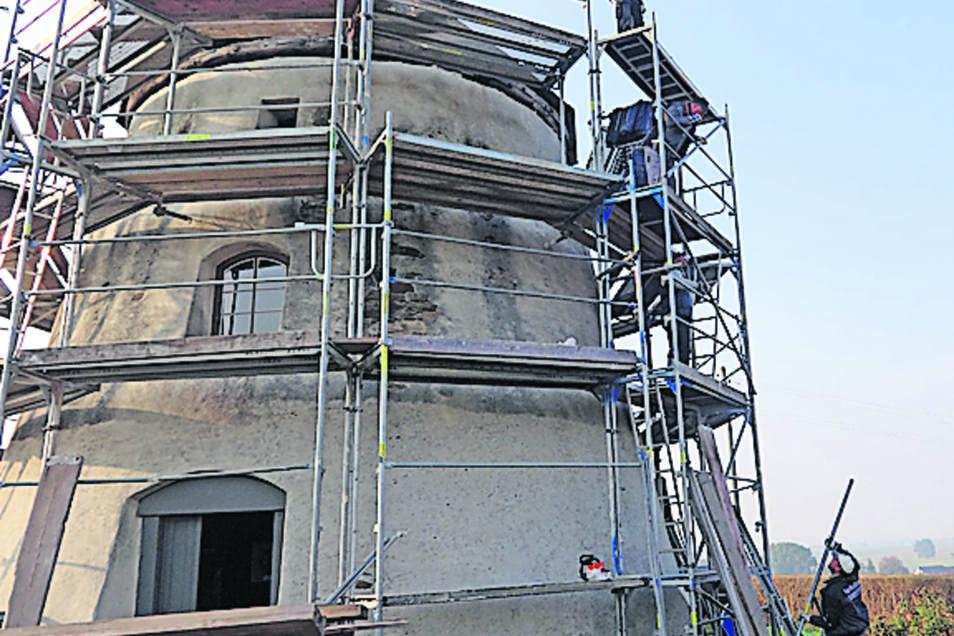 Im Oktober/November war die Windmühle eingerüstet.
