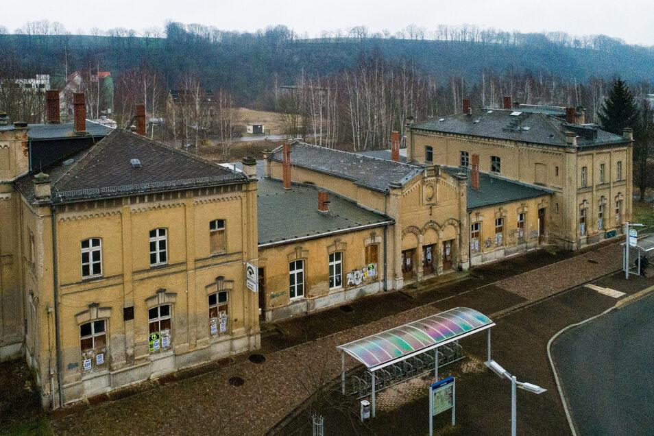 Während sich Leisnig vor Jahren unter keinen Umständen mit dem Bahnhofsgebäude belasten wollten, haben die Stadträte jetzt über einen Kauf diskutiert.