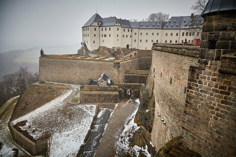 Menschenleer: Die Festung Königstein im Corona-Lockdown.