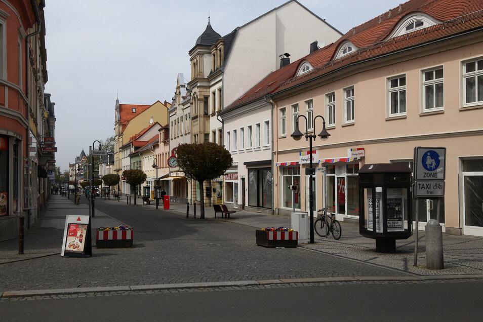 Auf der Hauptstraße in Riesa kann ab Montag wieder eingekauft werden.