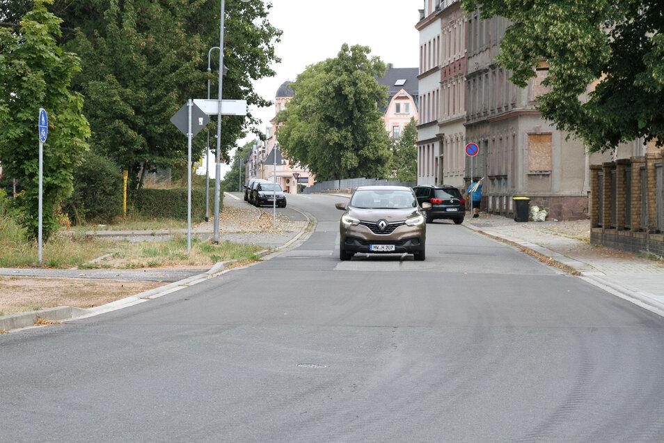 Die Bahnhofstraße in Hartha ist zur Ortsstraße umgestuft worden. Früher war sie als Kreisstraße deklariert.