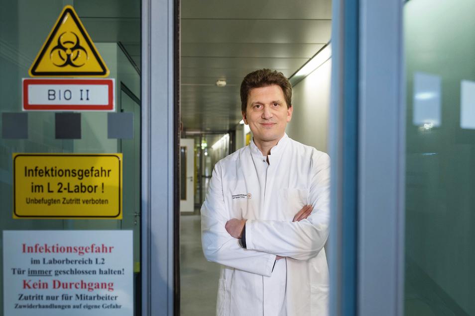 Alexander Dalpke leitet das Institut für Medizinische Mikrobiologie, Hygiene und Virologie im Uniklinikum Dresden.